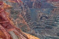 Pareti della miniera d'oro tagliata aperta del pozzo eccellente in Kalgoorlie, Australia occidentale immagini stock libere da diritti