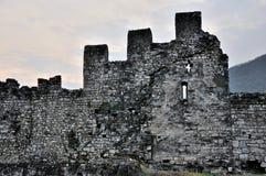 Pareti e finestra del castello di Valcamonica Breno Immagini Stock Libere da Diritti