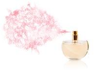 Parfümflasche, die farbigen Geruch sprüht Lizenzfreies Stockbild