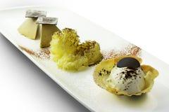 Parfait à crème glacée de TiramisuÌ€ de dessert et chocolat 1 de mousse Images libres de droits