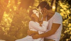 Parfois il est nécessaire de cacher l'amour pour plus longtemps image stock