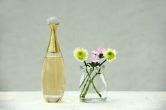Parfum en bloemen Royalty-vrije Stock Afbeelding
