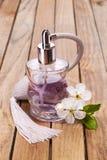 Parfum en bloemen Royalty-vrije Stock Foto