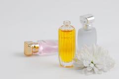 Parfum et chrysanthemums Photographie stock libre de droits