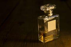 Parfum-Flasche lizenzfreie stockfotos