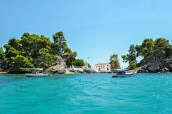 Parga Epirus, Grecja, - Zbliżać się wyspę Panagia Zdjęcia Royalty Free