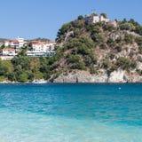 Parga slott, sikt från den Valtos stranden, Epirus, Grekland Fotografering för Bildbyråer