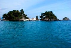 Parga stad och port i Grekland. Ionian hav Royaltyfri Bild