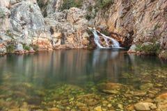 Parida vattenfall (Cachoeira da Parida) - Serra da Canastra Royaltyfri Bild