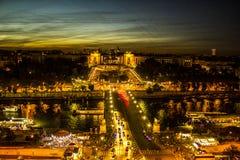 PARIGI-—PIAZZA TROCADERO PÅ SOLNEDGÅNGEN Royaltyfri Foto