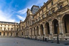 PARIGI - 20 marzo. I turisti godono di alla feritoia Fotografia Stock
