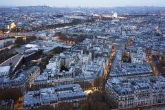 Parigi al tramonto con le luci Fotografia Stock Libera da Diritti