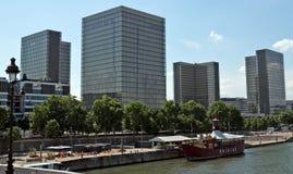 Architettura moderna da parigi immagine stock immagine for Architettura a parigi