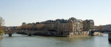 Parigi attraverso acqua Fotografia Stock Libera da Diritti