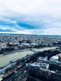 Parigi attraverso l'occhio della torre Eiffel Fotografia Stock