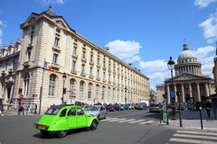 Parigi - Citroen 2CV Fotografia Stock Libera da Diritti