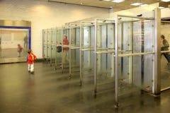 parigi Entrata sulla stazione della metropolitana Immagini Stock Libere da Diritti