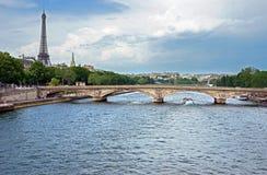 Parigi - fiume di Seine e della Torre Eiffel Fotografia Stock Libera da Diritti
