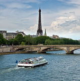 Parigi - fiume di Seine e della Torre Eiffel Fotografie Stock