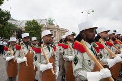 parigi france 14 luglio 2012 La truppa dei pionieri durante il tempo di parata sul Champs-Elysees a Parigi Fotografia Stock Libera da Diritti