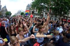 PARIGI, FRANCIA - 25 giugno. Un orgoglio del 2011 omosessuale immagine stock libera da diritti