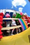 PARIGI, FRANCIA - 25 giugno. Un orgoglio del 2011 omosessuale immagine stock