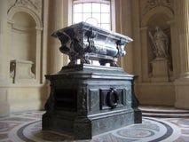 Parigi, Francia 7 agosto 2009: L'interno della tomba del millefoglie, il DES Invalides della cupola al museo di Les Invalides immagini stock libere da diritti