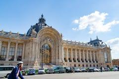 PARIGI, FRANCIA, circa aprile 2016: Il museo famoso del Petit Palais nel viale di Winston Churchill Fotografie Stock