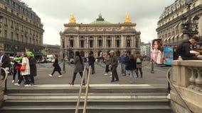 Parigi, Francia, il 20 maggio 2019 - Palais o opera Garnier e l'accademia nazionale di musica a Parigi, Francia, metraggio 4k archivi video