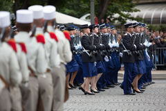 Parigi, Francia - 14 luglio 2012 I soldati dalla legione straniera francese marciano durante la parata militare annuale Fotografie Stock Libere da Diritti