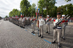 Parigi, Francia - 14 luglio 2012 I soldati dalla legione straniera francese marciano durante la parata militare annuale a Parigi Immagine Stock