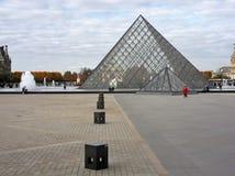 Parigi, Pyramide - Du Louvre Zdjęcie Royalty Free