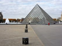 Parigi - Pyramide du Louvre Royalty Free Stock Photo