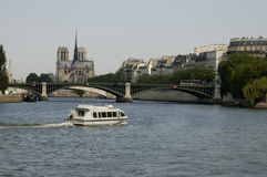 Parijs 26, de Rivier van de Zegen, Notre Dame Stock Foto