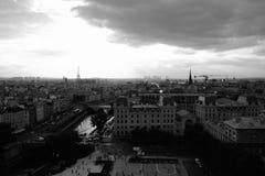 Parijs bij de Zomerzonsondergang Royalty-vrije Stock Afbeelding