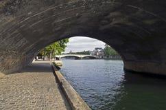 Parijs. Dijk van de rivierZegen. Stock Foto