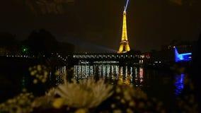 Parijs door boot stock video