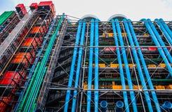 Parijs/Frankrijk - April 06 2019: Kleurrijke voorgevel van het Centrum van Georges Pompidou stock fotografie