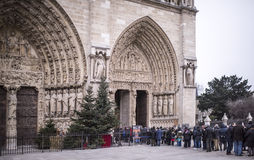Parijs, Frankrijk 01,2017 Januari: De toeristen bevinden zich in lijn bij de Kat Stock Fotografie