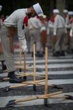 parijs frankrijk 14 juli, 2012 De pioniers maken voorbereidingen voor de parade op Champs Elysees in Parijs Stock Foto's