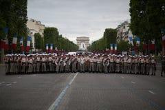 Parijs, Frankrijk - Juli 14, 2012 Legionairs vóór de jaarlijkse militaire parade ter ere van de Bastille-Dag Stock Fotografie