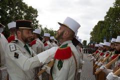 Parijs, Frankrijk - Juli 14, 2012 Militairen van het Franse Buitenlandse Legioen maart tijdens de jaarlijkse militaire parade in  Stock Afbeeldingen