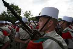 Parijs, Frankrijk - Juli 14, 2012 Militairen van het Franse Buitenlandse Legioen maart tijdens de jaarlijkse militaire parade in  Royalty-vrije Stock Afbeelding