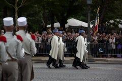 Parijs, Frankrijk - Juli 14, 2012 Militairen van het 1st regiment van het zwaard maart tijdens parade Royalty-vrije Stock Foto