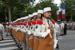 parijs frankrijk 14 juli, 2012 Pioniers vóór de parade op Champs Elysees in Parijs Stock Afbeelding