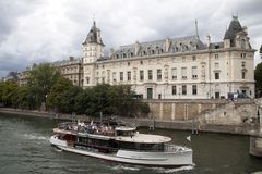 Architecture at the seine in the centrum of Paris, France stock photos