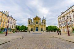 Parijs, Frankrijk 1 Juni, 2015: Buiten mooie Kerk van Notre Dame in Versailles Stock Foto