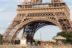 PARIJS, FRANKRIJK - JUNI 24, 2017: Mening van de beroemde Toren van Eiffel in Parijs frankrijk Royalty-vrije Stock Afbeeldingen