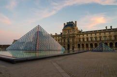Parijs (Frankrijk) Louvre piramide Royalty-vrije Stock Afbeeldingen