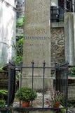 PARIJS, FRANKRIJK - MEI 2, 2016: Champolliongraf in pere-Lachaise begraafplaats homeopaty stichter Stock Afbeelding